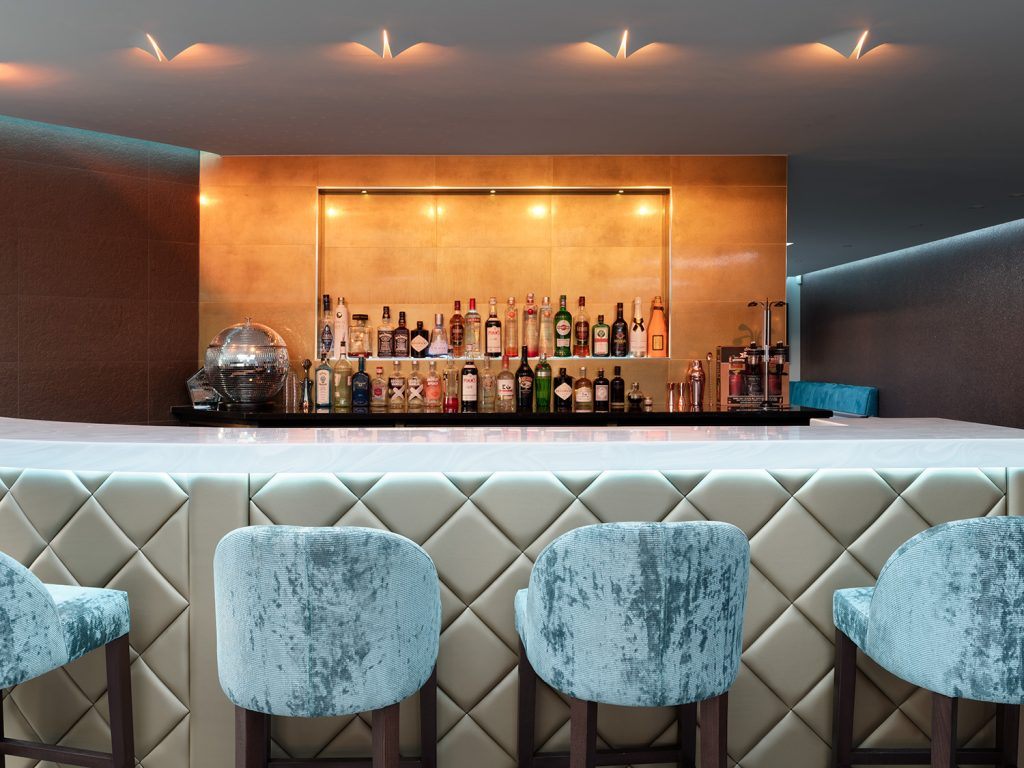 Exclusive Home bar design Image